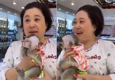 Chị Mai Thảo - chủ nhân của chú khỉ vừa mới gây sốt.