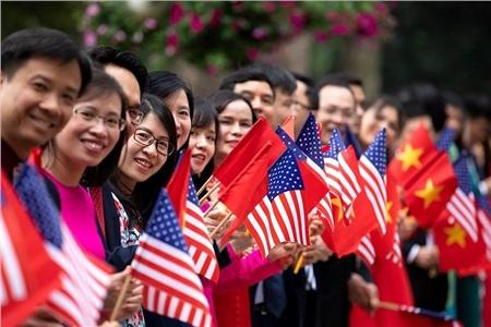 Nhà Trắng ghi lại hình ảnh người Việt hồ hởi chào đón thượng đỉnh Mỹ - Triều 9