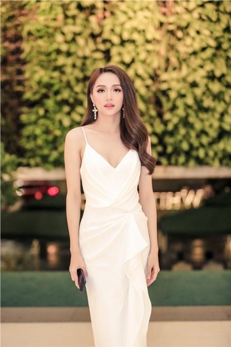 Hồ Ngọc Hà, Hương Giang, Bảo Anh đọ sắc cùng dàn mỹ nhân Việt đình đám tại sự kiện 2