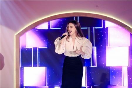 Hồ Ngọc Hà, Hương Giang, Bảo Anh đọ sắc cùng dàn mỹ nhân Việt đình đám tại sự kiện 17