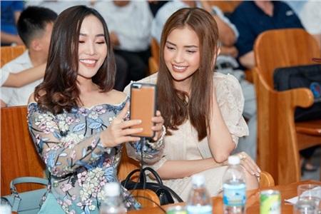 Hoa hậu Ngọc Châu ngồi ghế giám khảo, xúc động trước tài năng của người khuyết tật 5