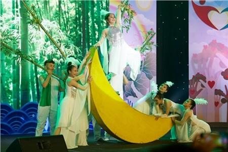 Hoa hậu Ngọc Châu ngồi ghế giám khảo, xúc động trước tài năng của người khuyết tật 6