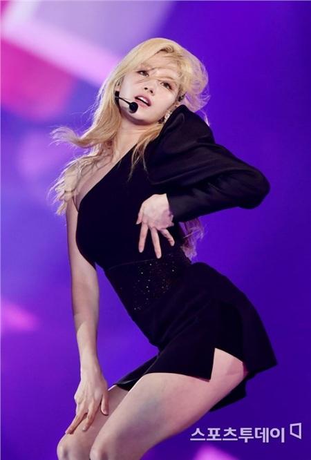 Điểm chung của dàn Idol Kpop 'hot hit' sinh năm 1996: Concept đáng yêu hay sexy đều cân được tất! 13
