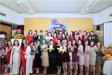 Ca sĩ Quang Hà, Nữ hoàng hoa hồng Bùi Thanh Hương, Nữ hoàng doanh nhân toàn cầu Phạm Quỳnh, Mr Quang Huy - Co Founder Adam Store cùng các Doanh nhân, các nhà sáng lập thương hiệu EM+