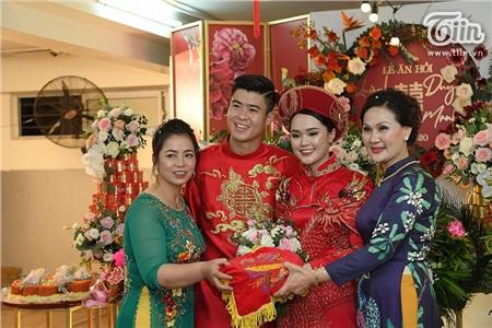 Chắc hẳn sau lần này, Quỳnh Anh sẽ phải đổi thợ trang điểm trong lễ cưới sắp đến.