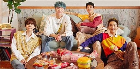 Tạm gác lại những chuyện đó, đúng 16h00 ngày 26/3, Winner đã phát hành ca khúc chủ đềHold,nằm trong full album thứ 3Remembercủa nhóm.