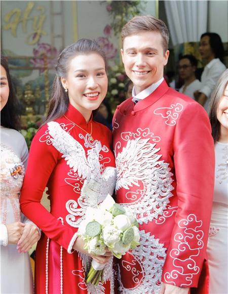 Từng yêu đến 'chết đi sống lại', vậy mà khi chia tay các cặp đôi sao Việt lại đối xử với nhau theo cách này 7
