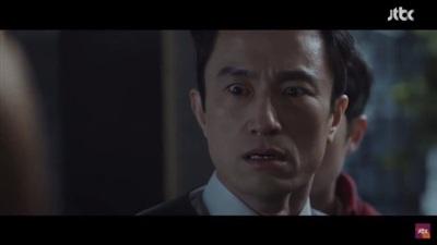 Hôn nhau mãnh liệt dưới mưa, Hyun Bin - Park Shin Hye giúp 'Memories of the Alhambra' đạt kỷ lục rating mới 1