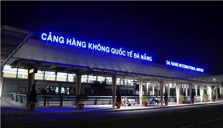 Hai hành khách Trung Quốc có dấu hiệu sốt đã nhập cảnh vào Đà Nẵng. Ảnh: Báo phụ nữ